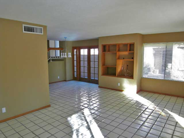 picture of Tempe town house living and dining room